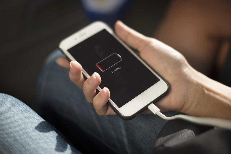 اختراع ثوري .. هاتفك يشحن نفسه بنفسه