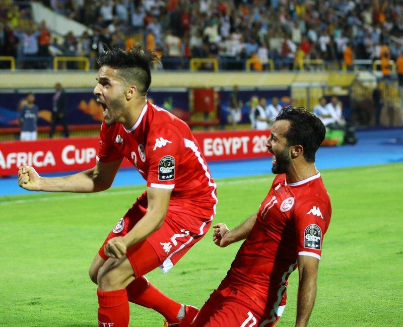 الجزائر وتونس يحافظان على حظوظ العرب في كأس إفريقيا