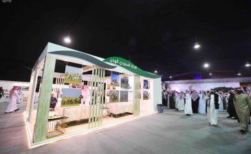 معرض الصقور والصيد السعودي يقدم ندوات وورش عمل بمشاركة عدد من الأدباء والمفكرين