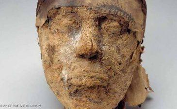 """لغز استمر قرنا.. علماء """"FBI"""" يحددون هوية مومياء مصرية"""
