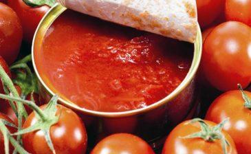 إحداها الطماطم المعلبة.. 6 أطعمة يجب تجنبها لتفادي الإصابة بالسرطان