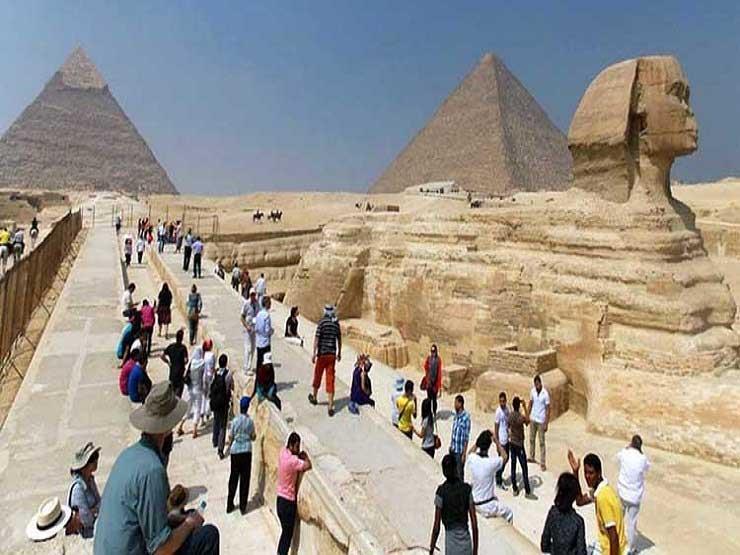 وزير إماراتي: مصر تستطيع جذب أكثر من 40 مليون سائح سنويا