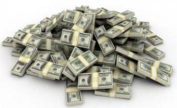 الرجل الذي كسب أكثر من مليار دولار خلال يوم واحد.. تعرف عليه