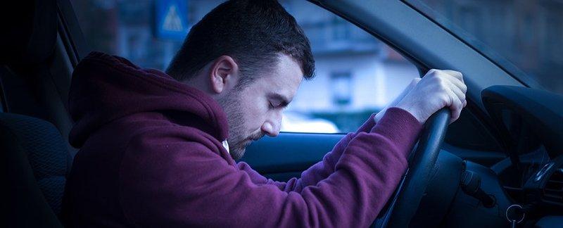 تنام على مقود السيارة؟ أخيراً التفسير العلمي للظاهرة وكيفية حلها