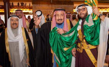 بالصور .. خادم الحرمين يرعى حفل افتتاح مشروع تطوير حي الطريف التاريخي