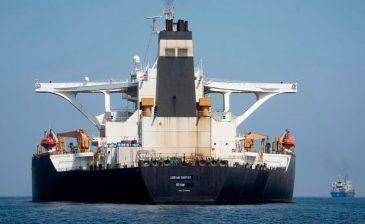 """بسبب ناقلة النفط الإيرانية .. تحذير أميركي """"قوي اللهجة"""" لليونان"""