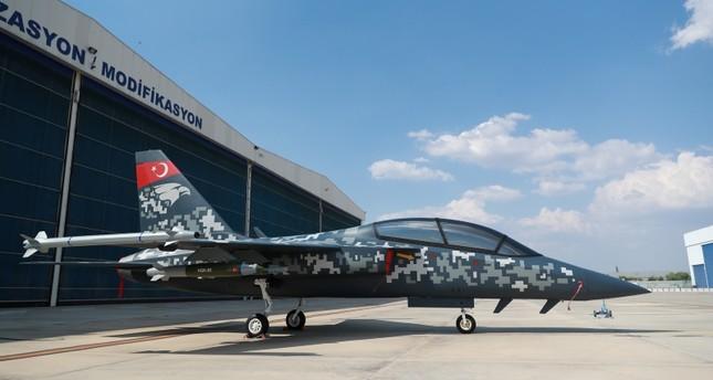 """تركيا تكشف عن تصميم طائرة التدريب والدعم القريب محلية الصنع """"حر جيت"""""""