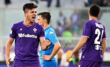 نابولي يهدي الدوري الإيطالي ليوفنتوس بعد الخسارة من فيورنتينا بهاتريك سيميوني