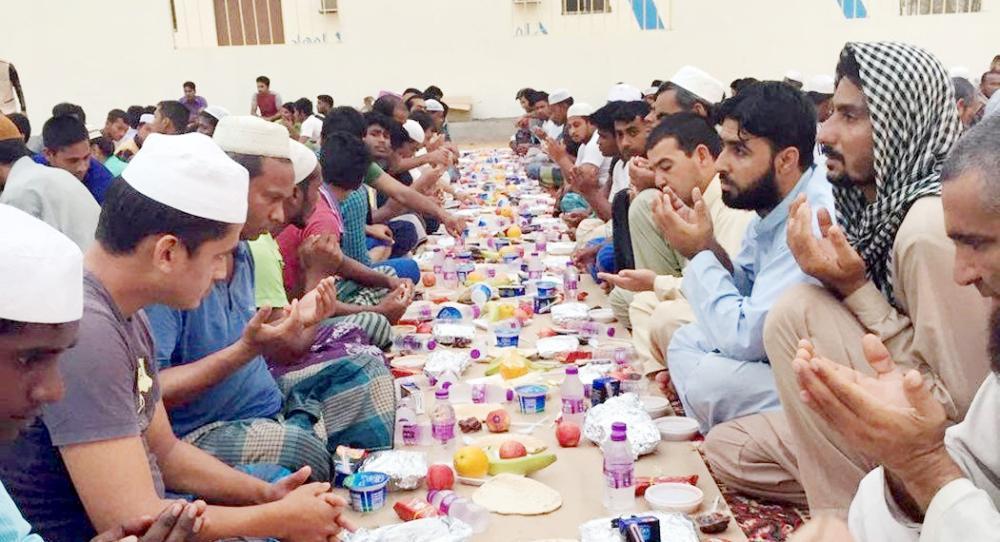 الشؤون الإسلامية: لا إفطار إلا بتصريح