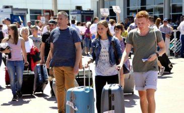 ارتفاع عدد السياح الروس في تركيا خلال مايو الماضي