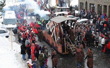 """الأعلام التركية ترفرف في كرنفال """"قرية الأتراك"""" البلجيكية"""