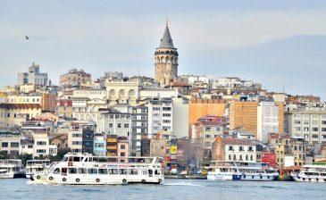 رجل أعمال هندي ينظم جولة سياحية لـ 3500 موظف في شركته بإسطنبول