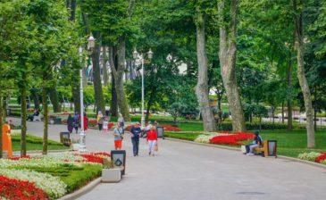 """حديقة """"غولهانة"""".. ميراث عثماني في قلب إسطنبول"""