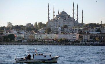 صحيفة سويسرية: كيف أصبحت تركيا الوجهة المفضلة للسياح السويسريين؟